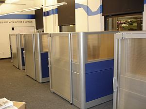 Beau Manager Cubicles With Sliding Doors